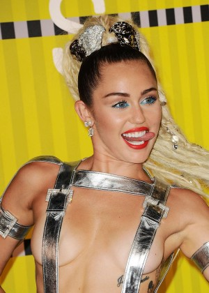Miley Cyrus: 2015 MTV Video Music Awards in Los Angeles [adds]-108